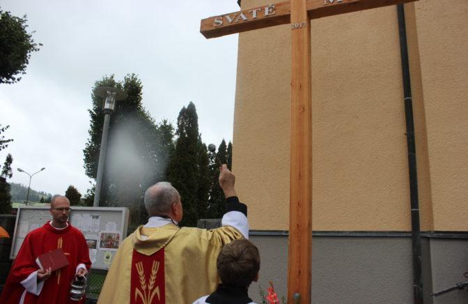 Úplne nový misijný kríž v Halenkove