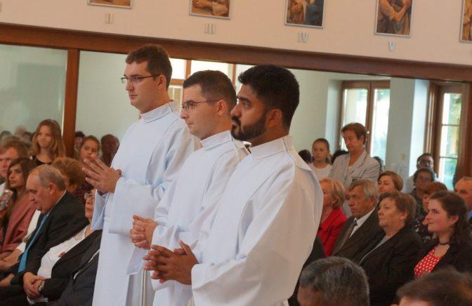 Traja noví diakoni u verbistov