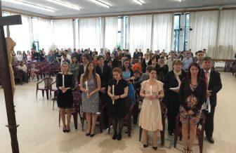 Desať dospelých prijalo sviatosti v UPeCe Bratislava