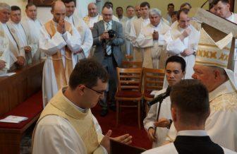 V Nitre vysvätili troch novokňazov verbistov