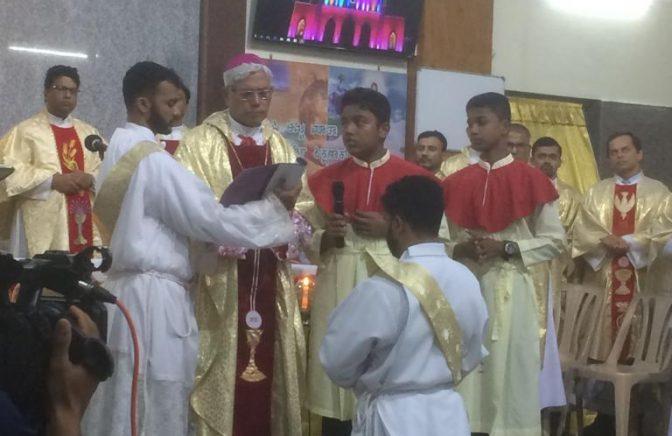 Donnie Sequeira vysvätený na kňaza