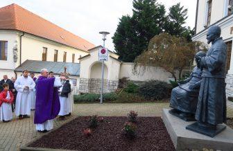 Nové sochy sv. Arnola Janssena a sv. Jozefa Freinademetza